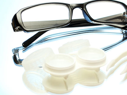 Plasma treatment cleaning of contact lenses and glasses