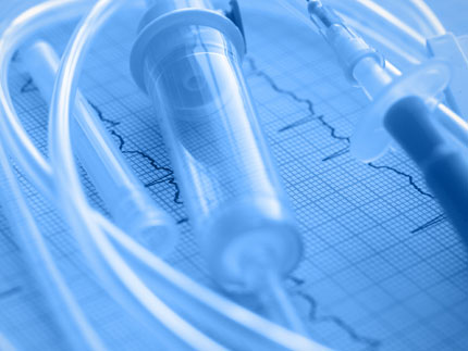 A plasma treated plastic medical device to improve bonding characteristics